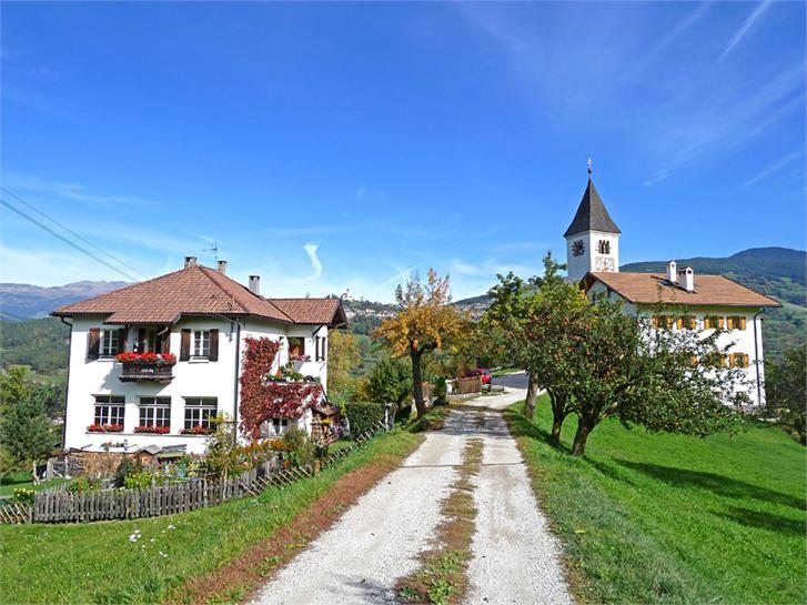 In der ehemaligen Grundschule von Tagusens.